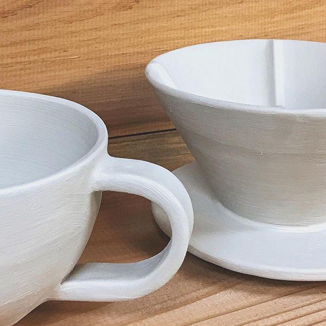 コーヒーカップとドリッパーの写真