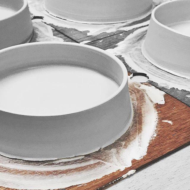 浅鉢の成形の様子