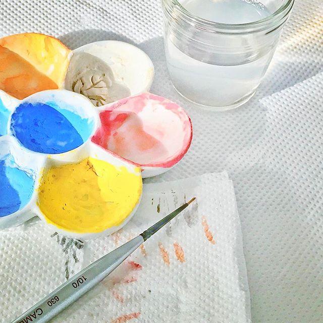 陶芸で絵付けに使う道具の写真