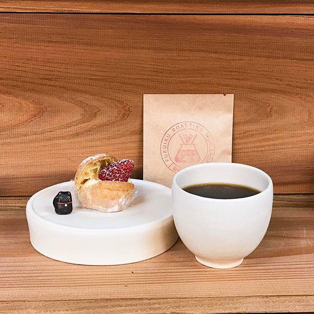 コーヒーと苺のプチシュークリーム