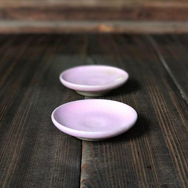 桜花釉の豆皿の写真