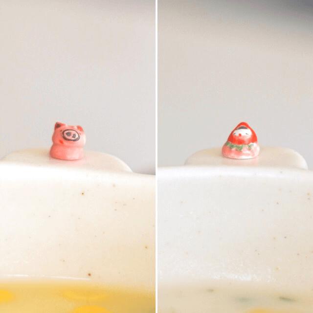 スープボウルにのった豆つぶだるま