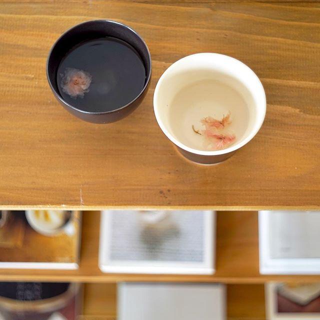 季節をちょっと先取り?春を待ちわびて桜茶を頂きました。