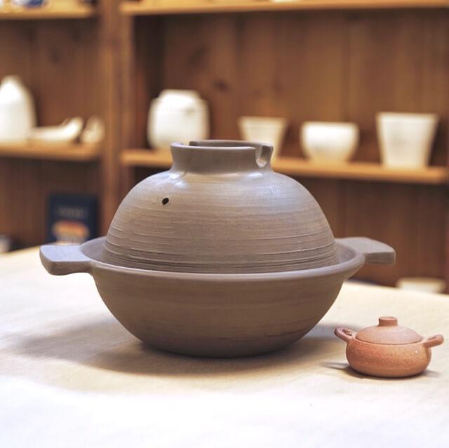 ひとり用に良さそうなサイズ感の土鍋の写真