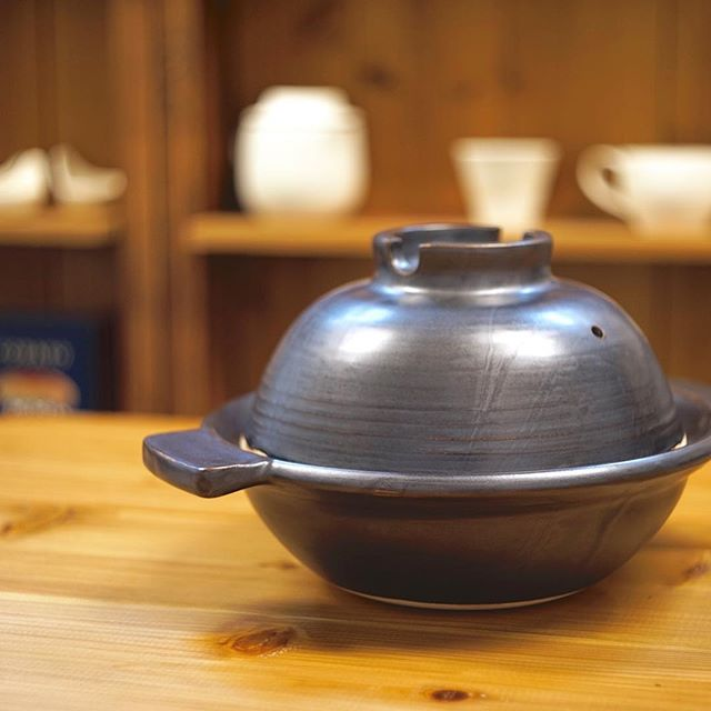 本焼きが終わったひとり用土鍋の写真