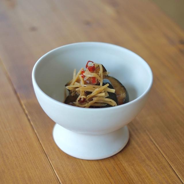 ズッキーニのズーちゃん漬けを作陶したデザートカップに盛り付けた写真